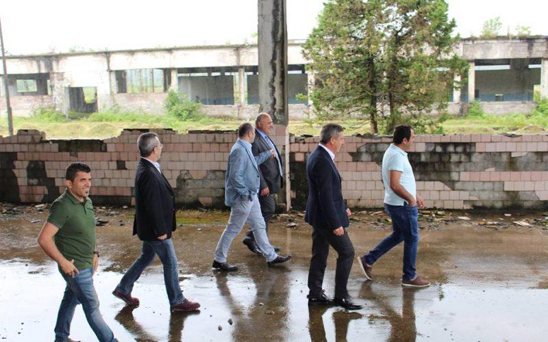"""თურქეთის მოქალაქის კუთვნილ შპს """"ოზურგეთი გარმენთს"""" ქალაქ ოზურგეთში, 89 000 კვ.მ  მიწის ნაკვეთი 1 ლარის საფასურად გადაეცა."""