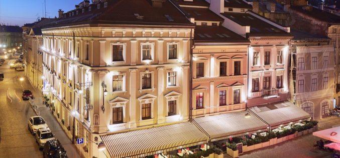 """მიხეილ სააკაშვილი ლვოვში ერთ-ერთ პრესტიჟულ და ძვირადღირებულ სასტუმროში """"Leopolis""""-ში გაჩერდა."""