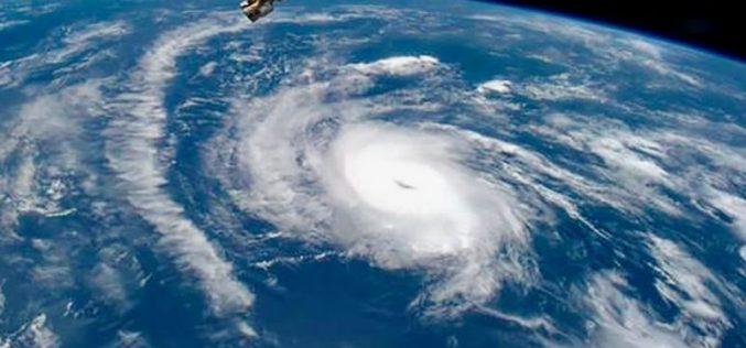 """კარიბის ზღვის კუნძულებზე, გამანდაგურებელ ქარიშხალ """"ირმას"""" მსხვერპლი მოჰყვა."""