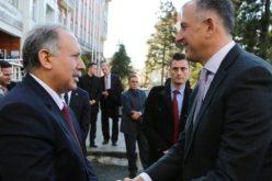 """""""კონსულტაციების დასრულებამდე საქართველო-თურქეთს შორის მიმოსვლა ჩვეულ რეჟიმში გაგრძელდება"""",- ამის შესახებ აჭარის მთავრობის თავმჯდომარე ზურაბ პატარაძემ განაცხადა."""