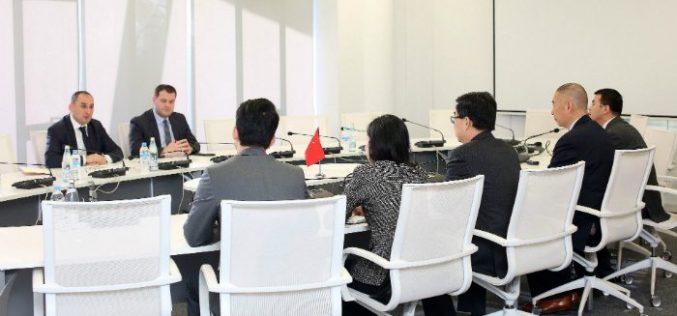 დიმიტრი ქუმსიშვილმა ჩინეთის სახალხო რესპუბლიკის ელჩთან, ძი იანჩისთან შეხვედრისას საქართველო-ჩინეთის სავაჭრო-ეკონომიკური ურთიერთობებზე ისაუბრა
