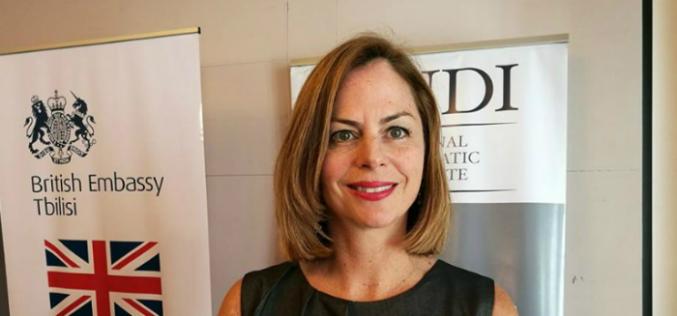 """NDI-ს საქართველოს ოფისის დირექტორმა ლორა თორნტონმა საზოგადოებრივი კვლევის შედეგები ტელეკომპანია იმედის ეთერში, გადაცემაში """"პირისპირ"""" განიხილა."""