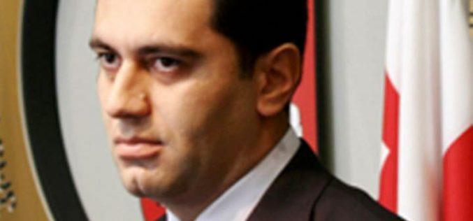 თბილისის საქალაქო სასამართლოში შს ყოფილი მინისტრი ირაკლი ოქრუაშვილი ბუტა რობაქიძის საქმეზე დაიკითხა.