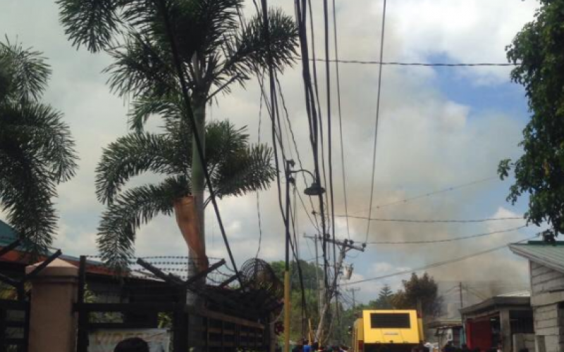 ფილიპინებში თვითმფრინავის ჩამოვარდნის შედეგად, სულ მცირე, 10 ადამიანი დაიღუპა (იხ.ფოტოები)