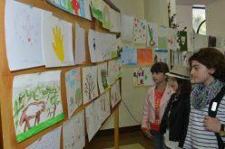 სოფო კილაძემ ბავშვთა ნამუშევრების საქველმოქმედო გამოფენას უმასპინძლა