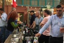 გერმანიის დედაქალაქ ბერლინში მიმდინარე ბუნებრივი ღვინოების  საერთაშორისო გამოფენაზე RAW WINE (The Artisan Wine Fair) ქვევრის ღვინის მწარმოებელი 8 კომპანია მონაწილეობს.