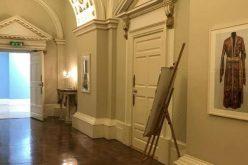ირლანდიაში, დუბლინის ციხე-სასახლეში ხელოვნების სასახლის ეროვნული სამოსისადმი მიძღვნილი ფოტო ექსპოზიცია გაიხსნა.