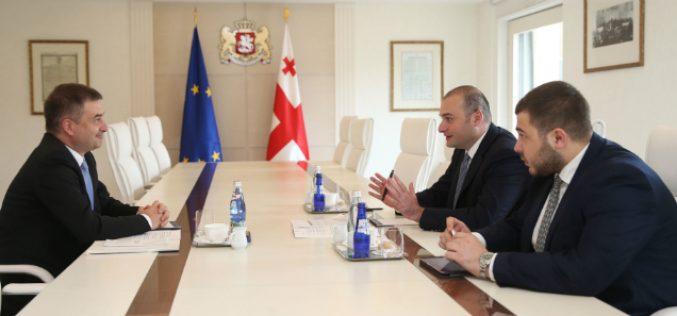 პრემიერ-მინისტრი მამუკა ბახტაძე საქართველოში ევროპის საბჭოს ოფისის ხელმძღვანელს, კრისტიან ურსეს შეხვდა