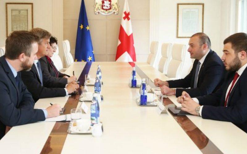 პრემიერ-მინისტრი მამუკა ბახტაძე საქართველოში ევროკავშირის სადამკვირვებლო მისიის (EUMM) ხელმძღვანელს, ერიკ ჰოგს შეხვდა