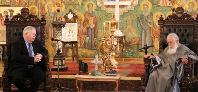 ილია II -მა და მღვდელმთავრებმა საქართველოში აშშ-ს ყოფილი ელჩი, იან კელი და მისი მეუღლე მიიღეს.
