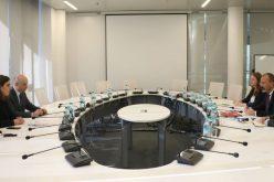 ეკონომიკისა და მდგრადი განვითარების მინისტრი გიორგი ქობულია ეკონომიკური თანამშრომლობისა და განვითარების ორგანიზაციის (OECD) ევრაზიის რეგიონულ დირექტორს უილიამ თომპსონს შეხვდა.