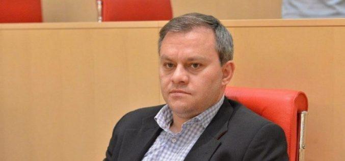 """ირაკლი აბუსერიძე """"რუსთავი 2""""-ს გადაუმოწმებელი ინფორმაციის გავრცელებაში ადანაშაულებს"""