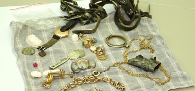 """""""ოქროს ნივთებს, ასევე დანაზოგ ფულს ფარულად დაეუფლა და მიიმალა"""" – შსს-მ ყაზბეგში მომხდარი ქურდობის ფაქტი გახსნა"""