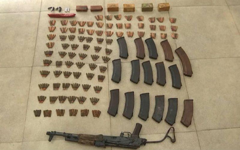 """939 ვაზნა, 9 ასაფეთქებელი ზონარი, """"ტროტილის"""" 6 შეკვრა – იმერეთის პოლიციამ დიდი ოდენობით უკანონო ცეცხლსასროლი იარაღი ამოიღო"""