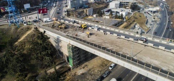 10 მარტს, კვირას, დილის 09:30-დან 11:30 საათამდე, ხიდზე ტრანსპორტის მოძრაობა ორმხრივად შეიზღუდება.