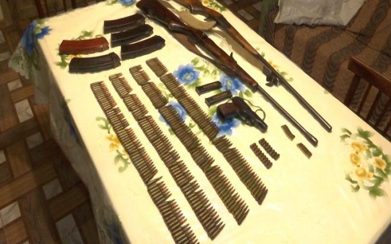 ქურდობისა და იარაღის უკანონო შეძენა-შენახვისთვის ერთი პირი დააკავეს