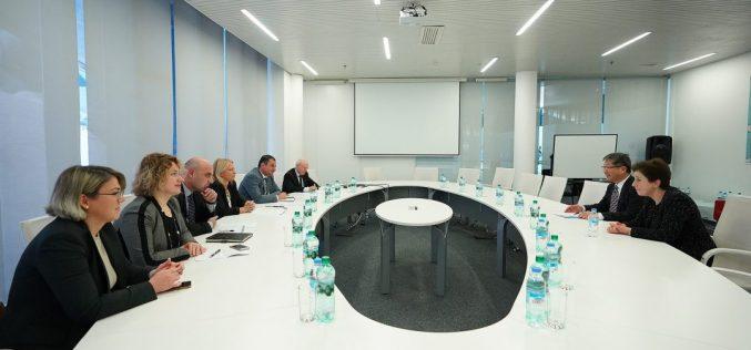 ეკონომიკისა და მდგრადი განვითარების მინისტრი ნათია თურნავა საერთაშორისო სატრანსპორტო ფორუმის (ITF) გენერალურ მდივანს, იანგ ტაე კიმს შეხვდა