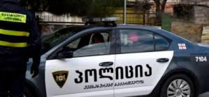 პოლიციელის მიმართ საქმიანობის ხელის შეშლასა და საზოგადოებრივი წესრიგის დარღვევისთვის მარნეულში 2 პირი დააკავეს